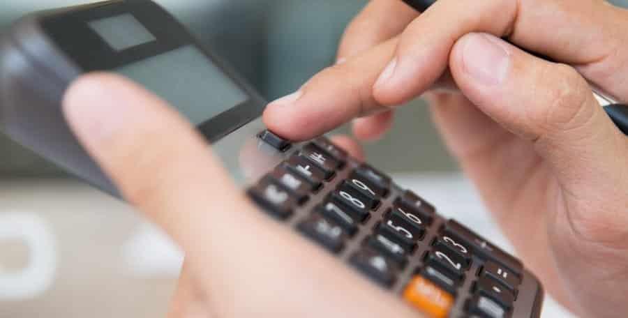 Calculo de Fluxo de Caixa Descontado para valuation de empresas