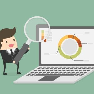 Gestor fazendo a análise de mercado para sua empresa