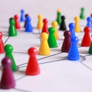 Gestor pensando nos alvos que deseja atingir através de Networking