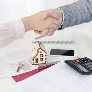 Gestor contratando uma consultoria para realizar Avaliação Imobiliária