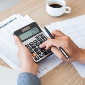 gestor-calculando-o-planejamento-tributario