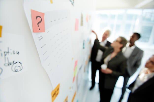 pessoas conferindo checklist due diligence