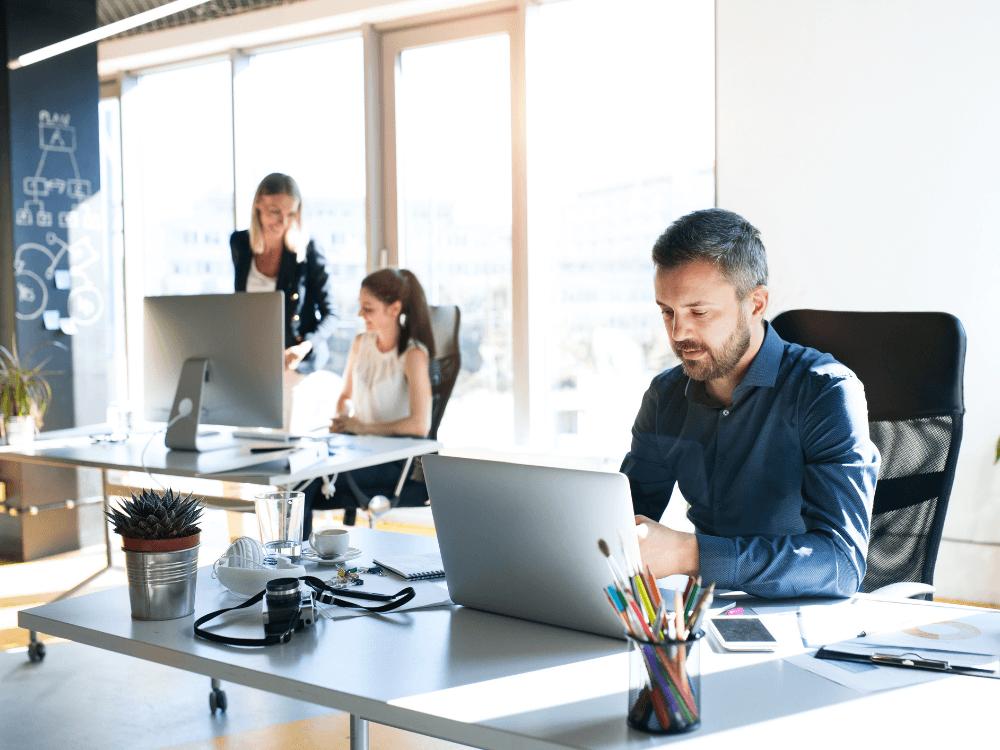 código de ética empresarial pessoas trabalhando